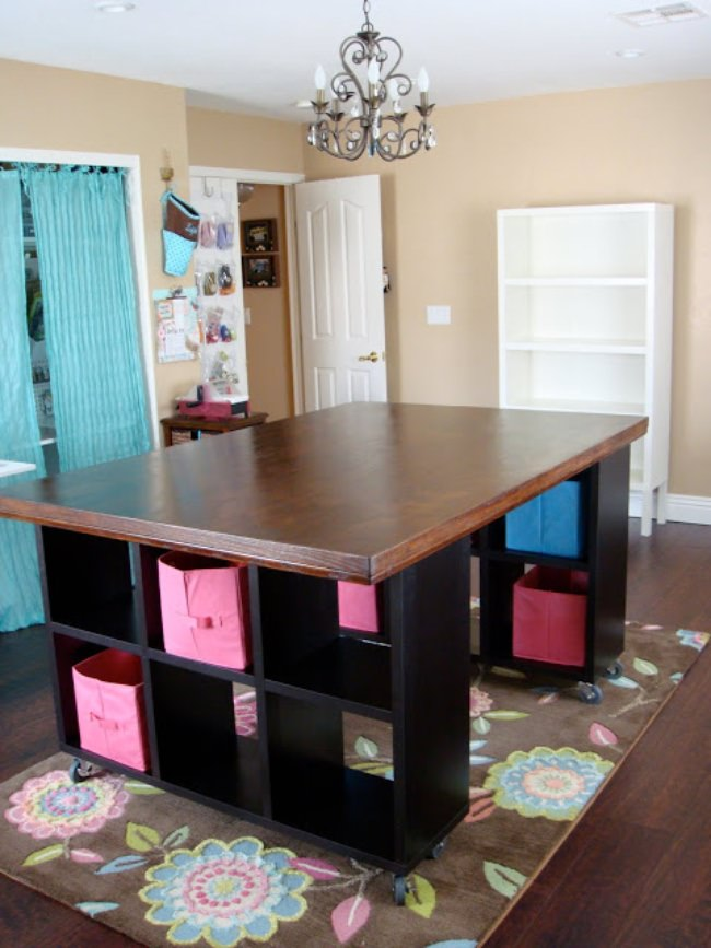 20 creative craft room organization ideas tip junkie for Building a craft room
