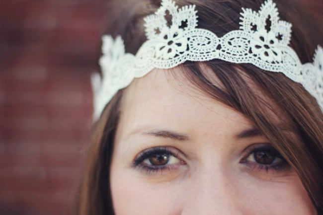 DIY Lace Headband {No-Sew Gifts}