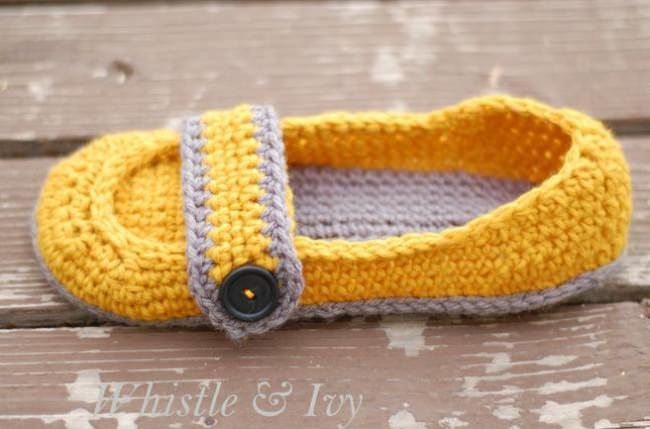 Button Strap Slippers