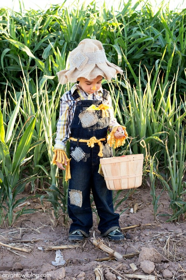 Easy No-Sew Scarecrow Costume