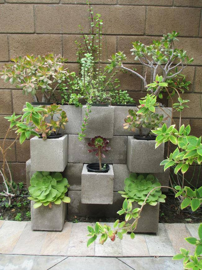 11 Creative Ways To Use Cinder Blocks Tip Junkie