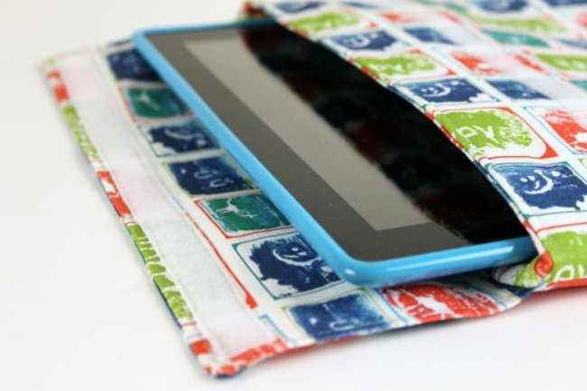 DIY iPad Sleeve Using Kids Art {Technology Patterns}