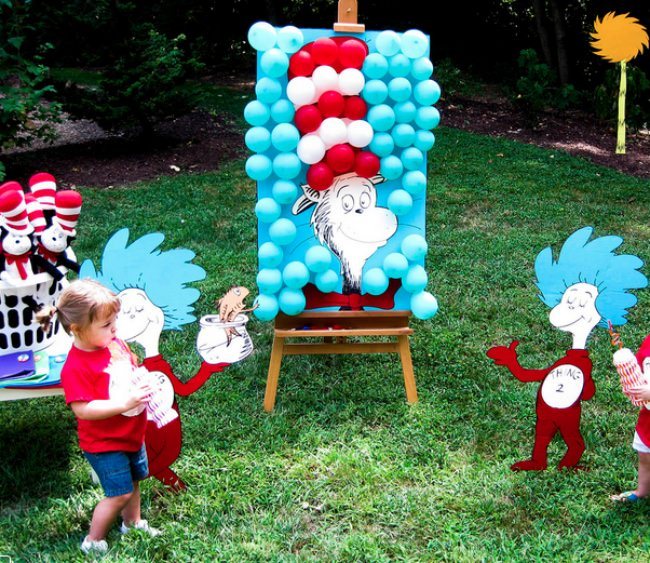 Cat in the Hat Birthday Balloons