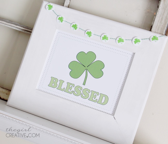 Simple March Decor {free printable}