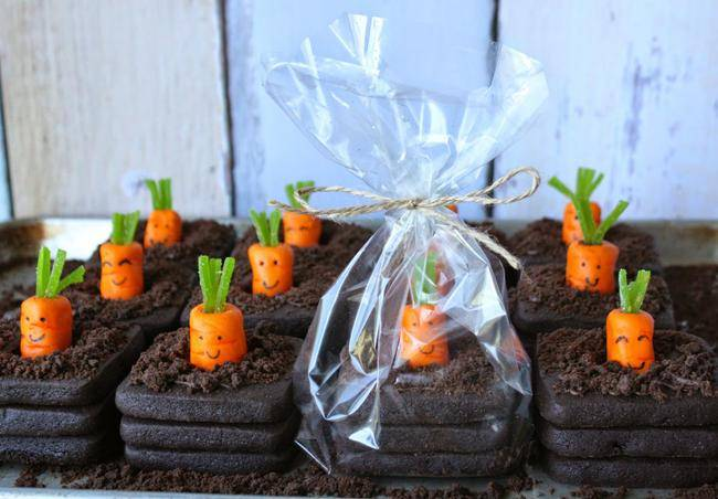 3-D Carrot Patch Cookies