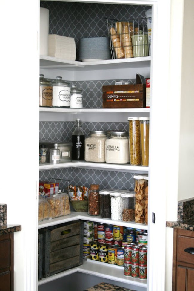 Pantry Makeover {Organize}