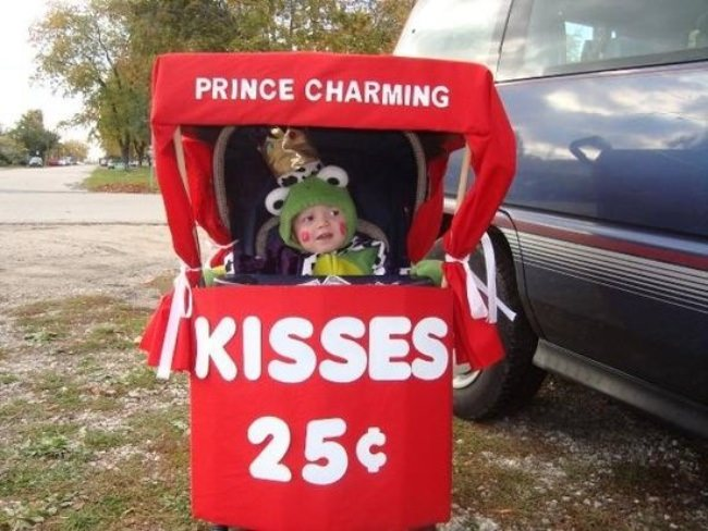 Kissing Booth Stroller