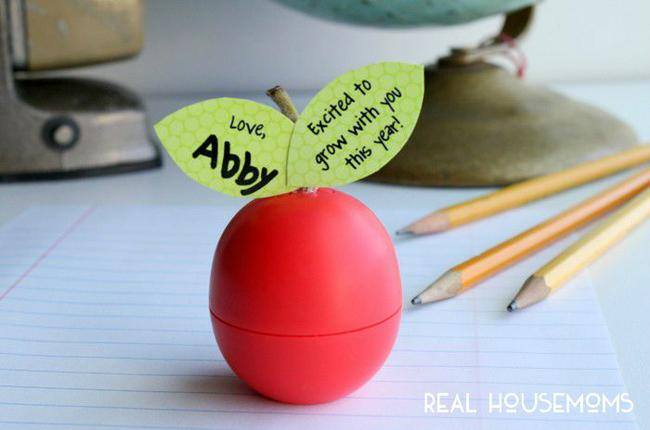14 marvelous diy meet the teacher ideas tip junkie eos apple teacher gift idea in keeping with tradition an apple for the teacher gift the teacher with eos lip balm all you have to do is download negle Image collections