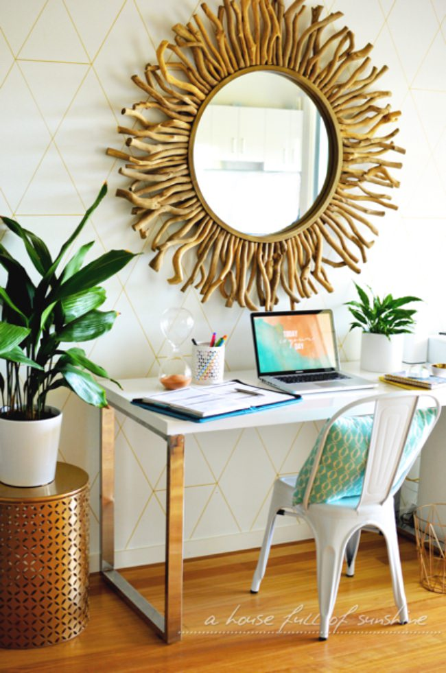 How to Make Wallpaper with a Gold Paint Pen