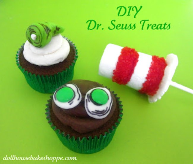 Dr. Seuss Green Eggs and Ham Cupcakes {birthday treats}