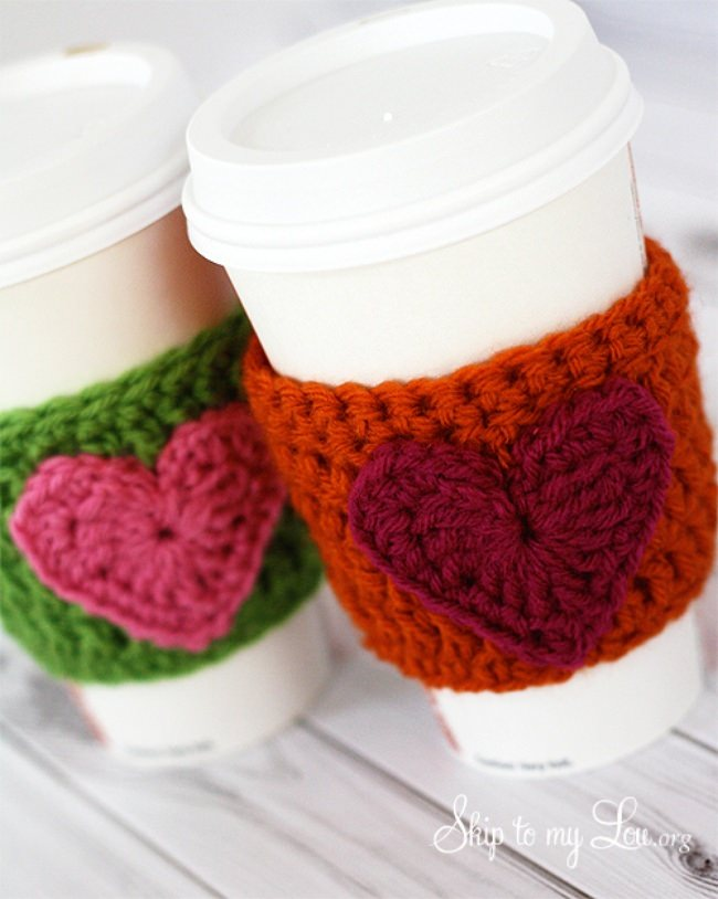 Crochet Heart Coffee Cozy {free pattern}