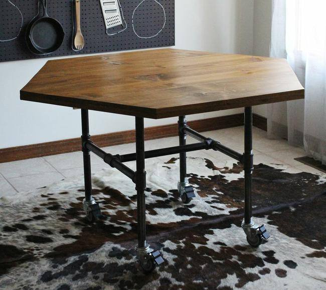 DIY Honeycomb Table with Pipe Legs