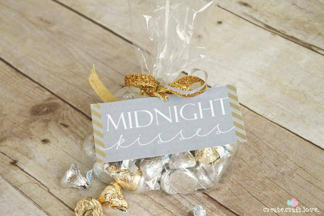 10 Party Favors for New Year\'s Eve | Tip Junkie