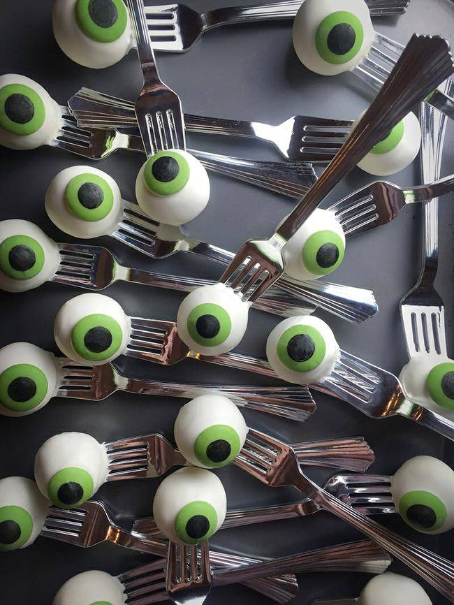 eyeball cake pops-jpg