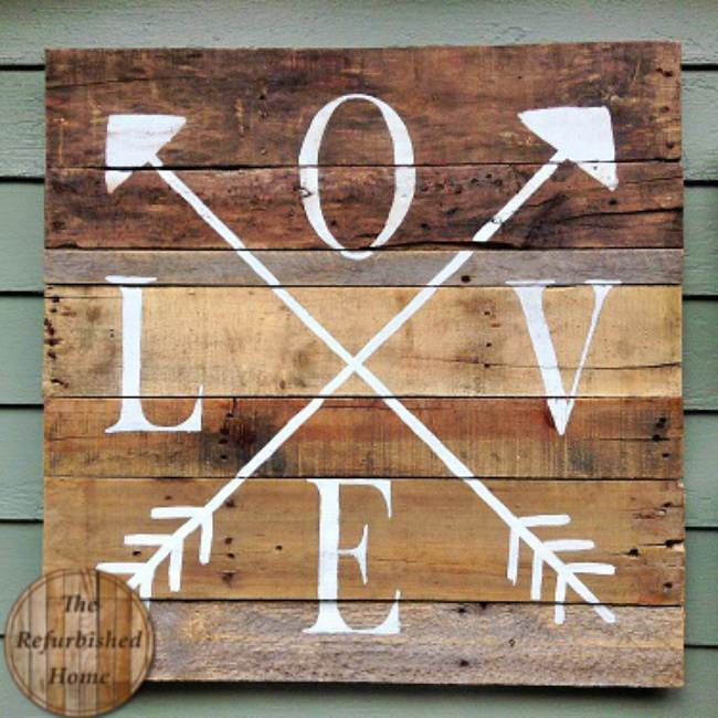 Pallet Wood Love Sign