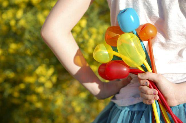How to Make Balloon Tulips