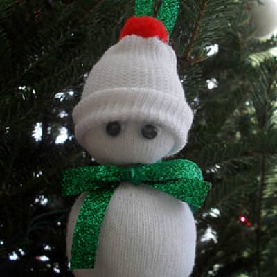 Baby Sock Snowman Ornament {Christmas Crafts for Kids}