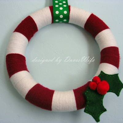 Christmas Holly Yarn Wreath Tutorial