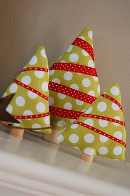Fabric Christmas Trees {Tutorial}