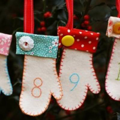 Free Holiday Mitten Ornament Pattern
