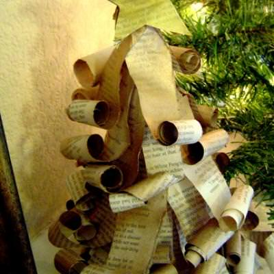 Old Book Page Christmas Trees {Christmas Paper Crafts}