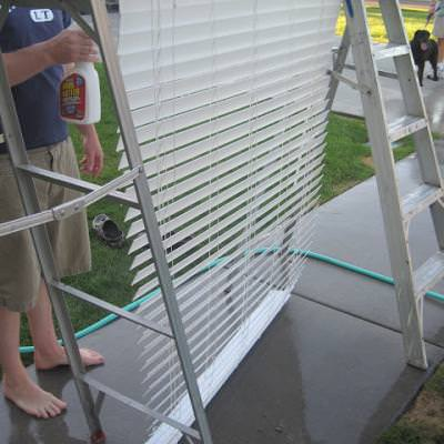 Clean Your Blinds Like a Pro {Blinds}