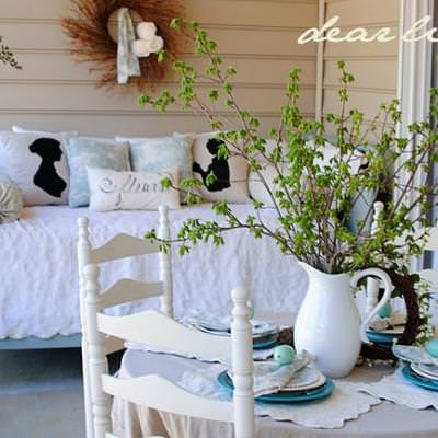 Decorating the Porch for Spring {decorate outdoors}