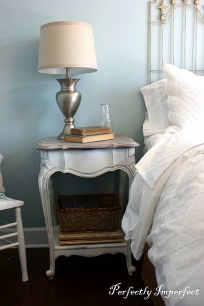 Guest Bedroom Side Table {how to refinish a table}