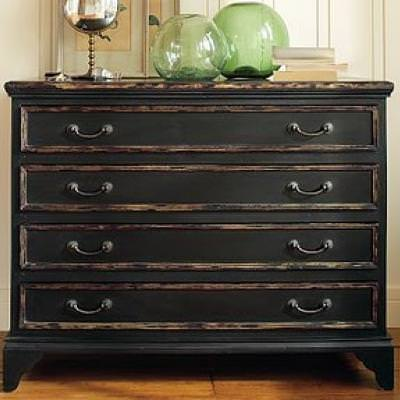 How to Achieve a Black Distressed Finish {paint furniture} - How To Achieve A Black Distressed Finish {paint Furniture} Tip Junkie