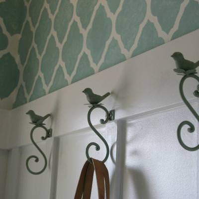 How to Decorate a Small Foyer {stencils}