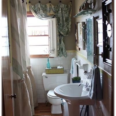 How to Decorate Your Guest Bathroom {before and after}