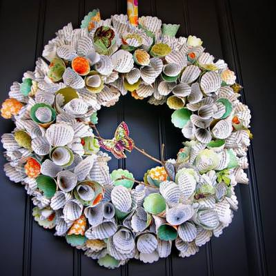 How to Make a Colorful Paper Wreath {a wreath}
