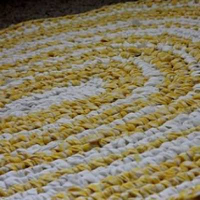 How to Make a Rag Rug {video tutorial}