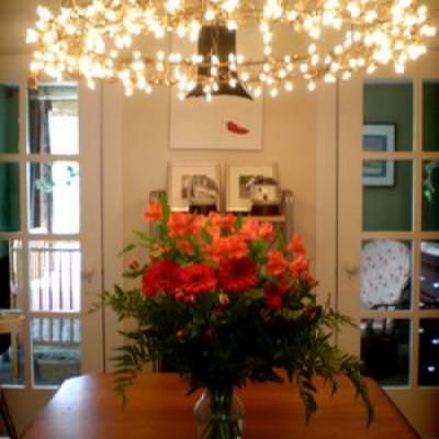 How to Make a Wreath Chandelier {diy light}