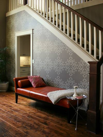 How to Stencil a Wall {painting and decorating}