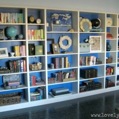 How to Style a Bookcase {how to}