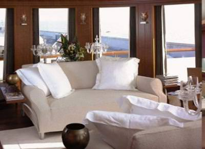 White decor yacht interior yacht design tip junkie for Yacht interior design decoration
