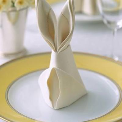 Bunny Fold for Napkins {easter table}