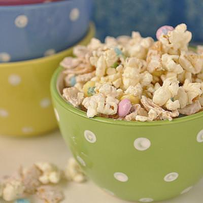 White Chocolate and Frito Popcorn {Food}