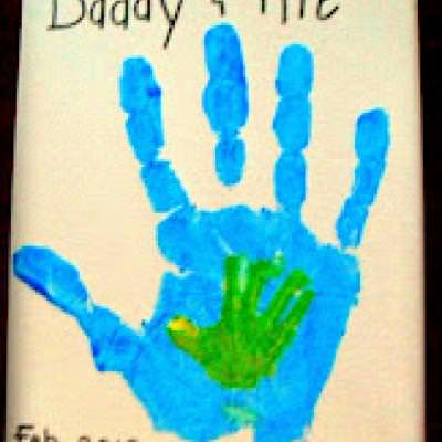 Father and Child Handprint {Preschool Craft}
