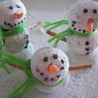 Donut Snowman Snacks {Kids Easy Craft}