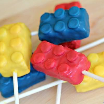 Lego Cake Pops {Family Fun Craft}