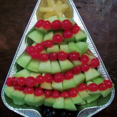 Christmas Tree Fruit Tray {Holiday Party Food}