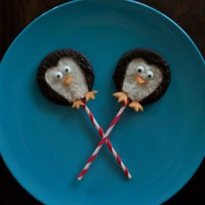 Peppermint Penguin Pops {Candy Crafts}