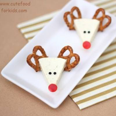 Reindeer Cheese Appetizer {Christmas Party Food}