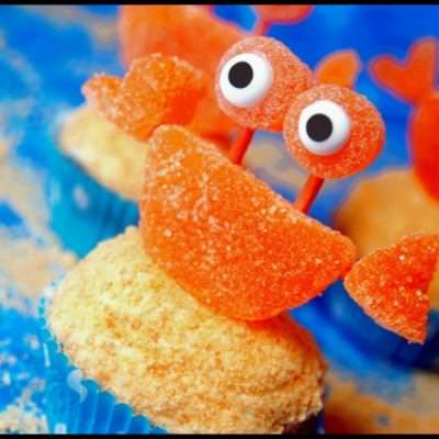 Sand Crab Cupcakes {Edible Art Projects for Kids}