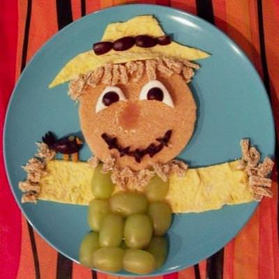 Scarecrow Breakfast {Fall Crafts for Kids}