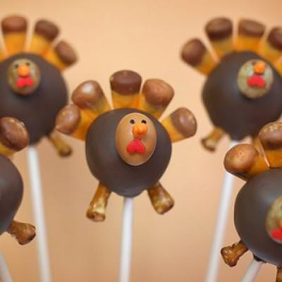 Turkey Cake Pop {Thanksgiving Edible Crafts}