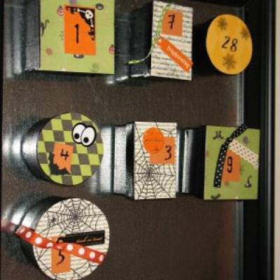 Magnetic Halloween Count Down Calendar Tutorial {Crafts To Make}