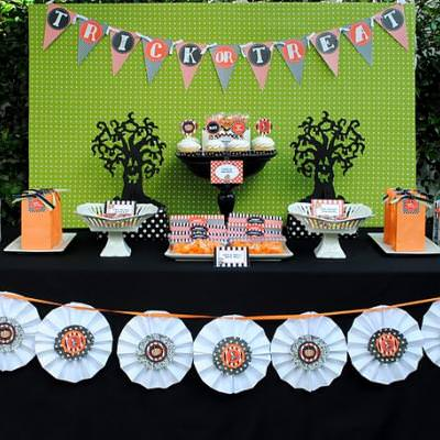 Halloween Party Tablescape